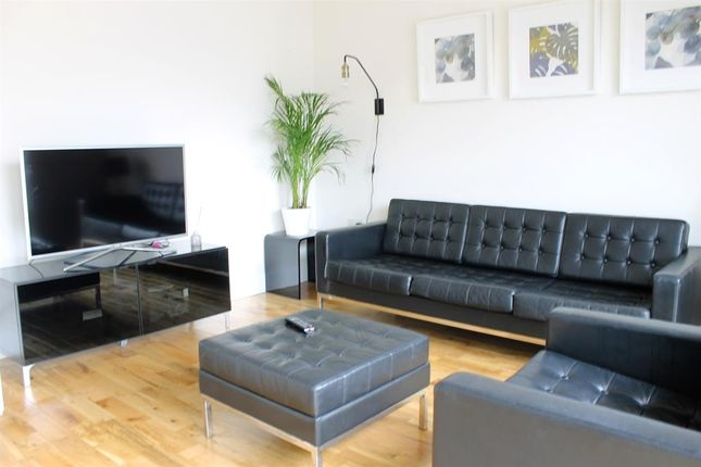 Thumbnail Town house to rent in Linen Walk, Hunslet, Leeds