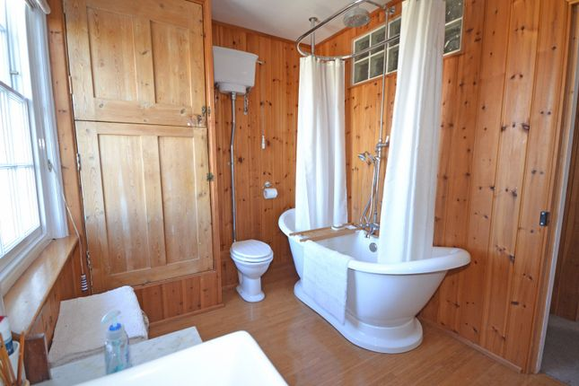 Family Bathroom of Homer Cottages, West Street, Selsey PO20