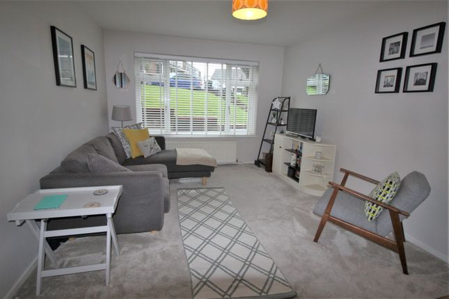 Thumbnail Maisonette for sale in Top House Rise, Chingford
