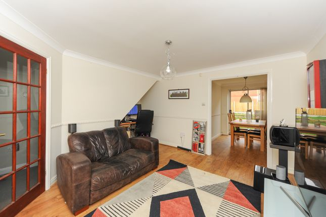 Living Room of Old House Road, Chesterfield S40