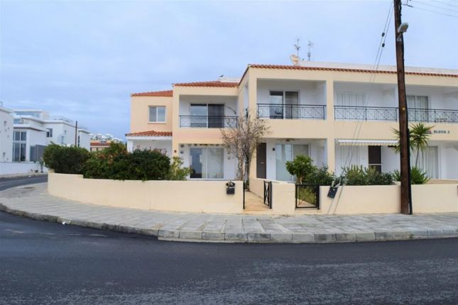 4 bed town house for sale in Chlorakas, Paphos, Cyprus