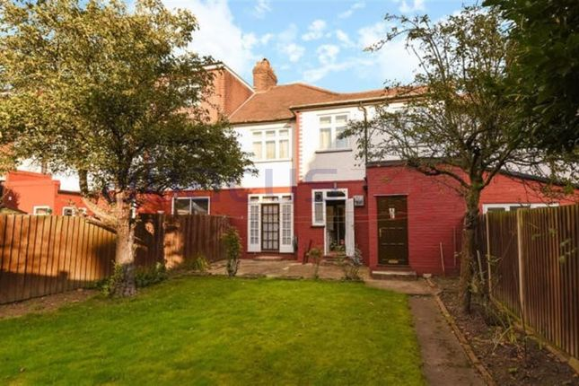 Thumbnail Terraced house for sale in Park View Road, London