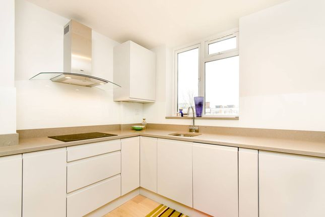 Thumbnail Flat to rent in Rayners Road, Putney, London