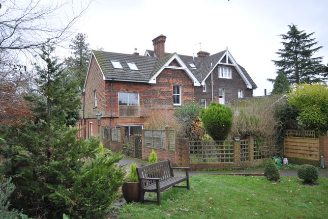 Thumbnail Duplex to rent in Hogs Back, Seale