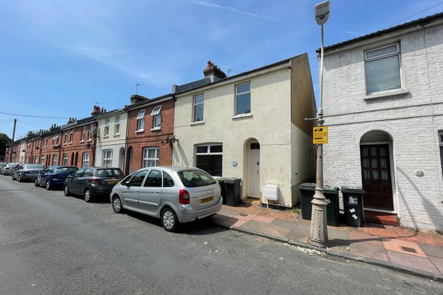 2 bed end terrace house to rent in Melbourne Road, Eastbourne BN22