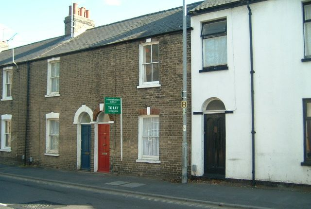 Thumbnail Terraced house to rent in Victoria Road, Cambridge