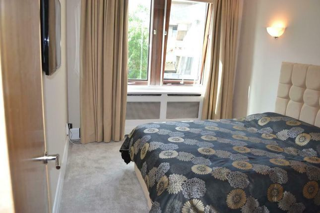 Thumbnail Flat to rent in Whitehouse Apartments, Belvedere Road, London