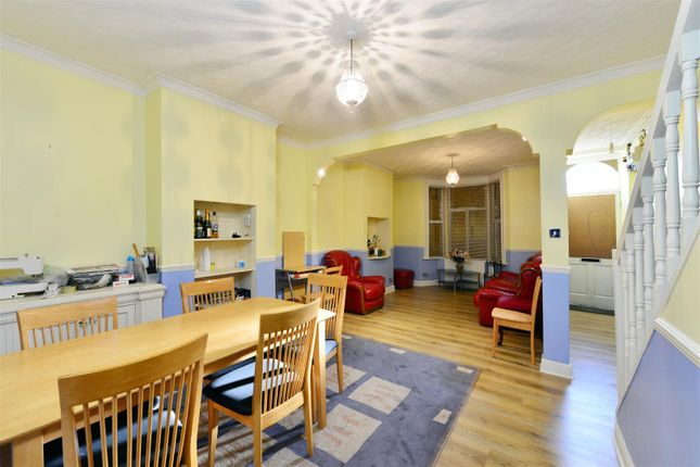 Thumbnail Terraced house for sale in Lynmouth Road, London