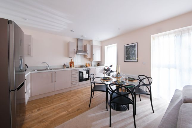 2 bedroom flat for sale in Giles Cres, Stevenage