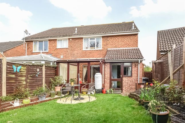 Highclere Gardens Wantage Ox12 3 Bedroom Semi Detached House For Sale 43566370 Primelocation