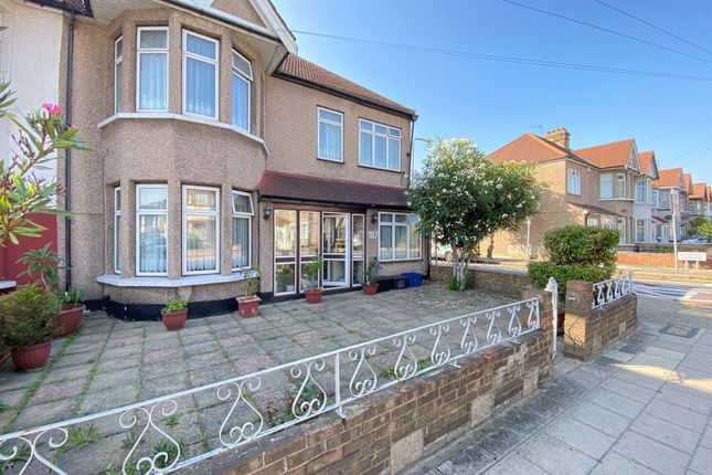 Thumbnail Terraced house for sale in Beehive Lane, Ilford