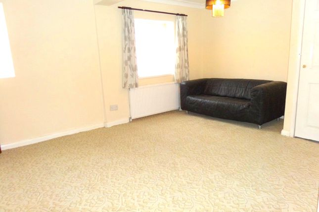 Thumbnail Flat to rent in Greenman Lane, Feltham
