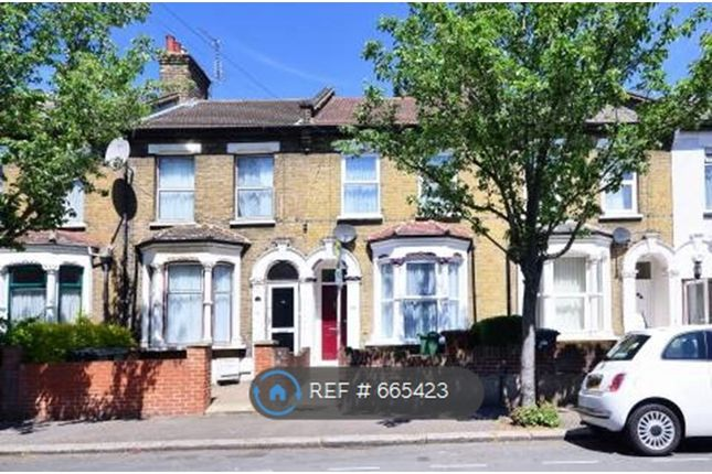 Thumbnail Terraced house to rent in Leslie Road, London