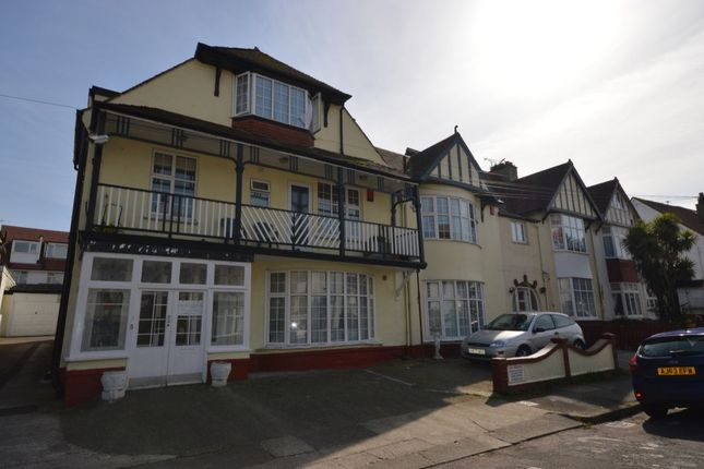 Thumbnail Flat to rent in Colin Road, Paignton