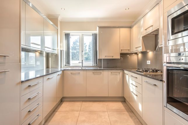 Thumbnail Flat to rent in Kewferry Drive, Northwood, Middlesex