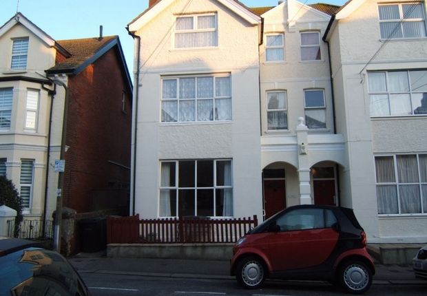 Thumbnail Flat to rent in Wilton Road, Bexhill On Sea, East Sussex