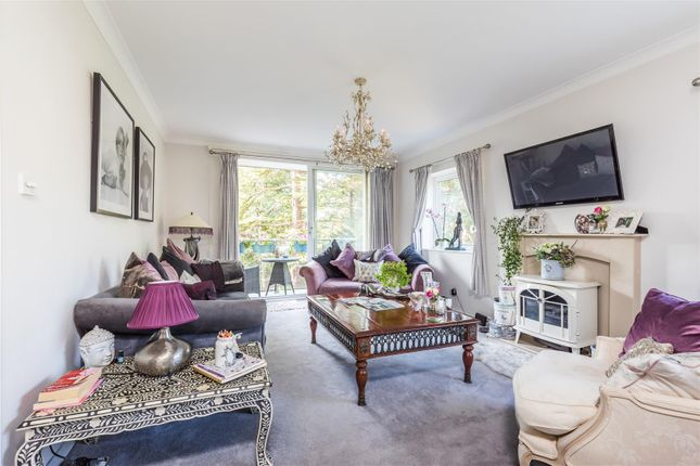 3 bed flat for sale in The Avenue, Westbourne, Bournemouth BH13