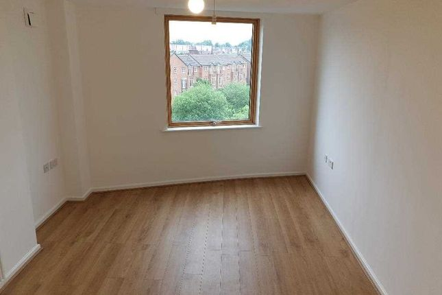 Bedroom of Wave Close, Walsall WS2