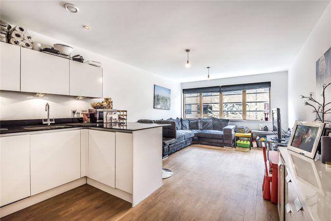Thumbnail Flat to rent in Mildmay Avenue, Newington Green, London