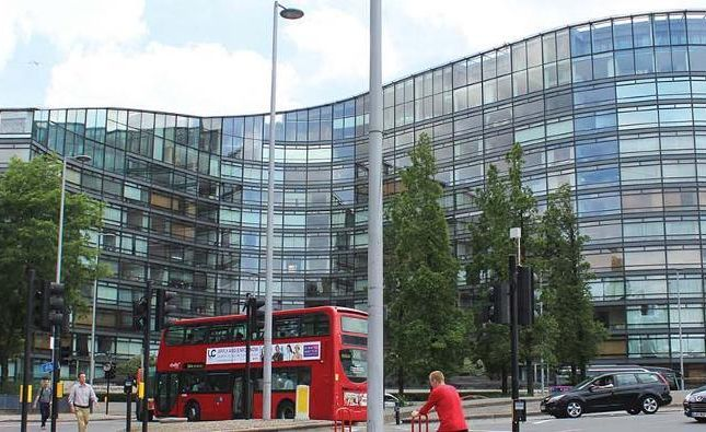 Thumbnail Flat to rent in Parliment View Appartments, Albert Embankment, Westminister, London