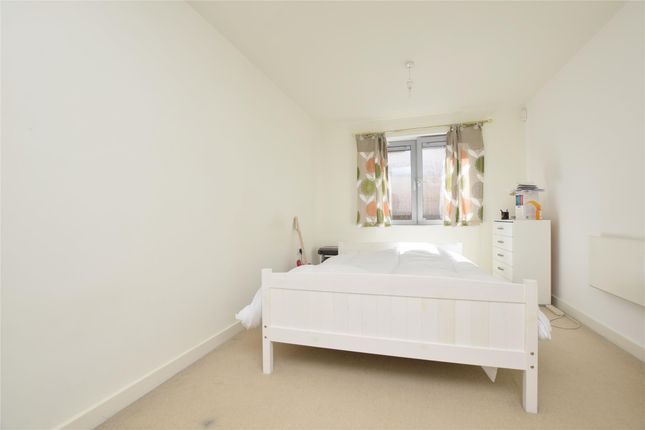 Thumbnail Flat to rent in Market Link, Romford