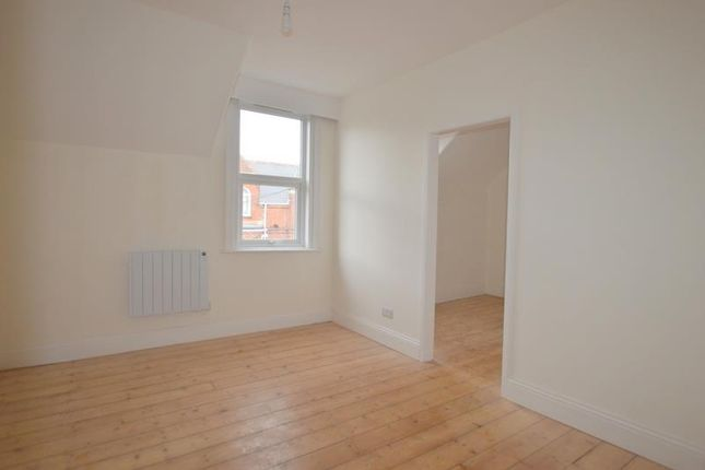 Flat 4 24 Haldon Road - Bed 1