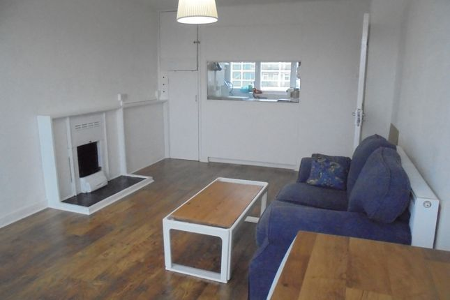 Thumbnail Flat to rent in Angell Road, London