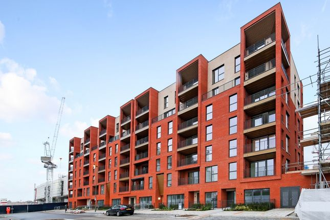 Flat to rent in Reverence House, Colindale Gardens, Colindale