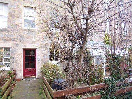 Thumbnail Flat to rent in East Silvermills Lane, Stockbridge, Edinburgh EH3,
