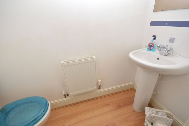 Picture No. 24 of Pennythorne Drive, Yeadon, Leeds, West Yorkshire LS19