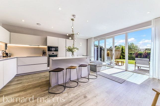 Thumbnail Town house for sale in Exeter Place, London
