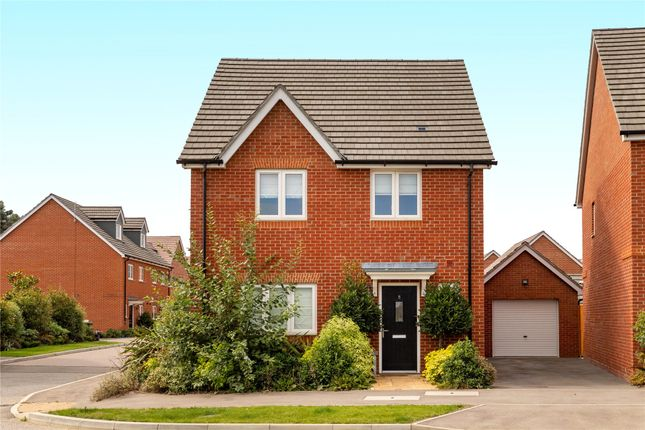 Thumbnail Detached house to rent in Hunstanton Drive, Binfield, Bracknell