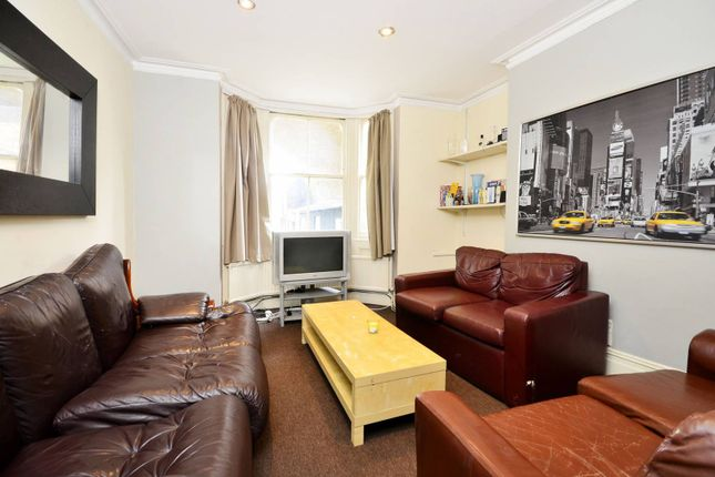 Thumbnail Flat to rent in Winthorpe Road, Putney