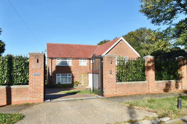 Thumbnail Detached house for sale in Ridge Way, High Wycombe