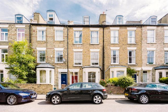 1 bed flat to rent in Charteris Road, London