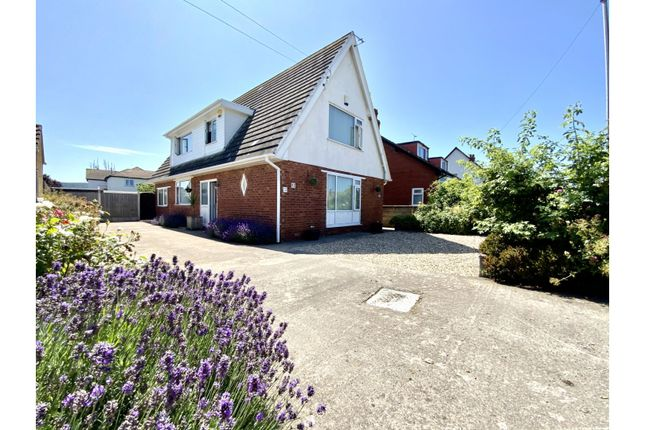 Thumbnail Detached house for sale in Marine Road, Abergele