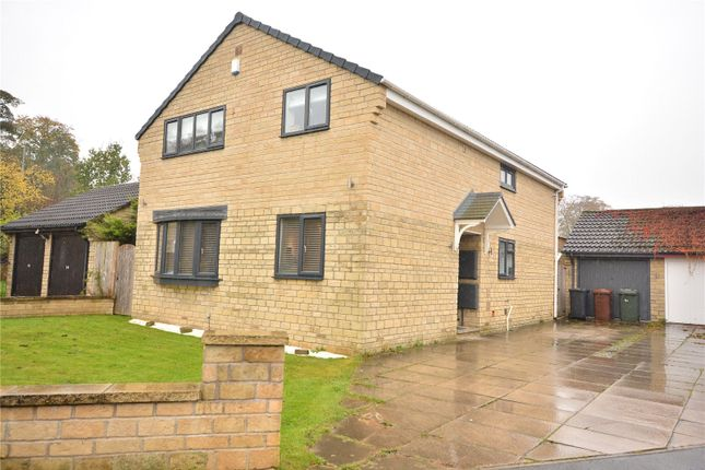 Picture No. 19 of Oakdene Drive, Leeds, West Yorkshire LS17