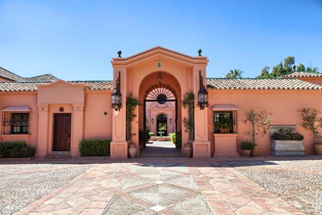 10 bed villa for sale in Guadalmina Baja, Marbella, Spain