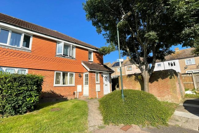 Thumbnail Maisonette to rent in Brickfield View, Rochester