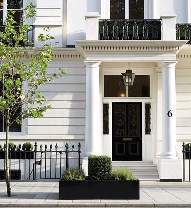 Thumbnail Terraced house for sale in Buckingham Gate, London