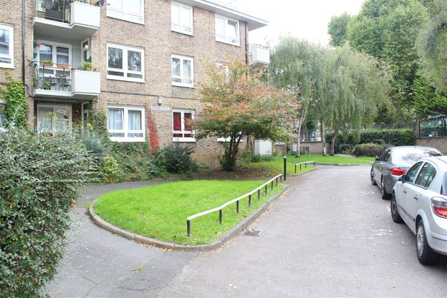 Thumbnail Flat to rent in St. James's Avenue, London