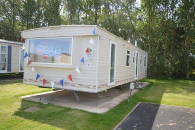 3 bed mobile/park home for sale in Broadland Sands, Coast Road, Corton