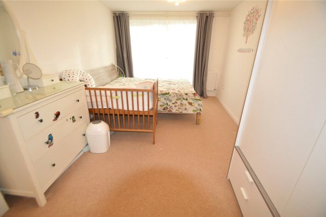 Picture No. 03 of Royal Court, 123 Connersville Way, Croydon CR0