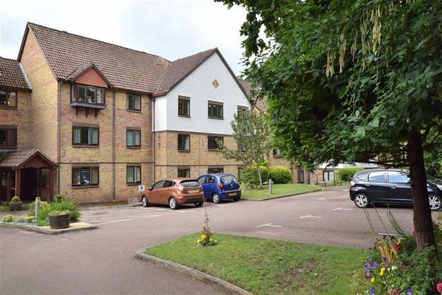 Flat for sale in Barrs Avenue, New Milton