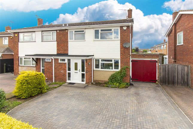 Thumbnail Property for sale in Everard Way, Faversham