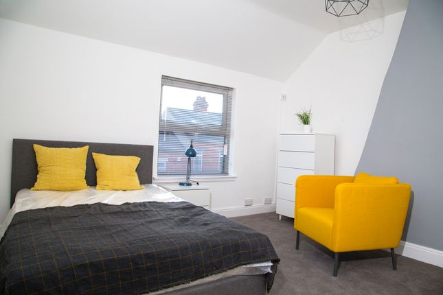 Thumbnail Shared accommodation to rent in Derbyshire Lane, Hucknall, Nottingham