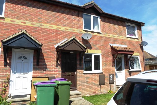 Thumbnail Terraced house to rent in Wells Close, New Romney