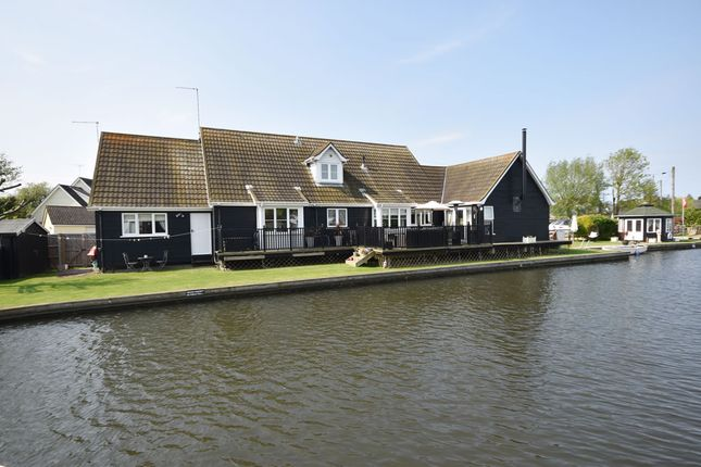 Thumbnail Detached house for sale in Marsh Road, Hoveton
