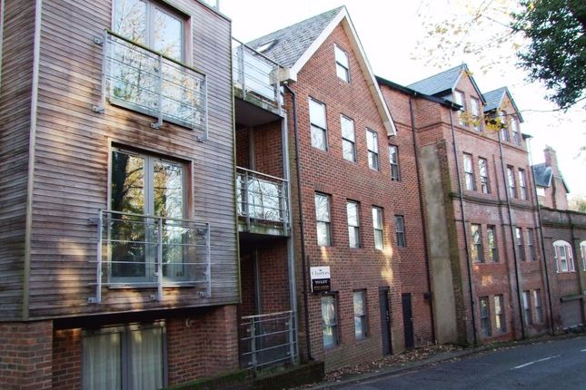 Thumbnail Flat to rent in Highcliffe Road, Winchester