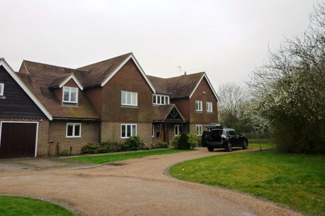Thumbnail Detached house to rent in Tonbridge Road, Bough Beech, Edenbridge